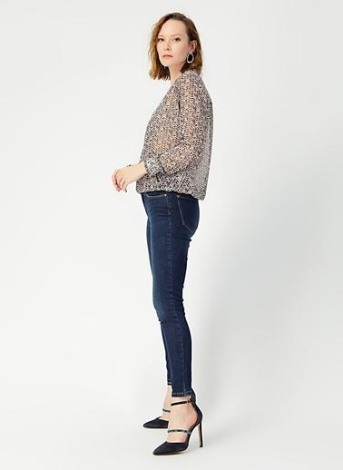Random Kadın Kruvaze Yaka Kolu Fırfırlı Desenli Bluz Bej